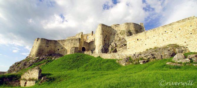 ラピュタファン必見!天空の城スピシュ城 Zehra, Slovakia