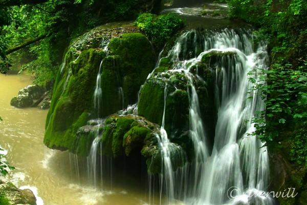ビガーの滝(ルーマニア) Bigar Waterfall in Romania